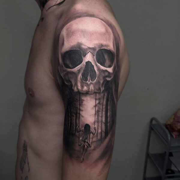skull shoulder tattoo
